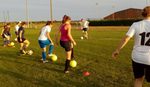 Foot au féminin au FC Vignoble 81 !